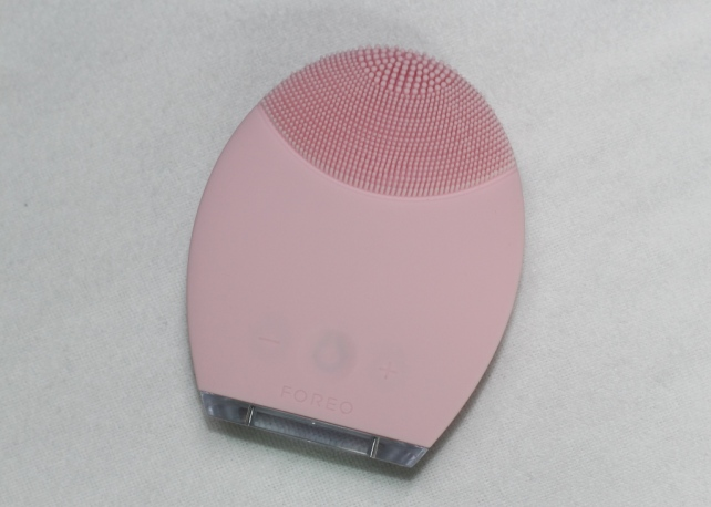 LUNA by FOREO